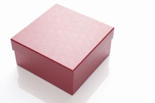 赤いギフトボックスの写真素材 [FYI04191720]