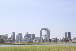淀川河川敷からみる大阪の写真素材 [FYI04194720]