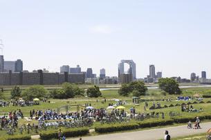 河川敷公園の写真素材 [FYI04194739]