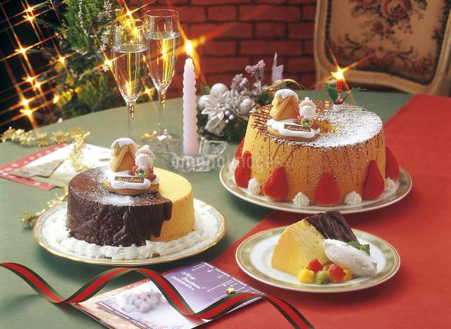 クリスマス シフォンケーキの写真素材 [FYI04200972]
