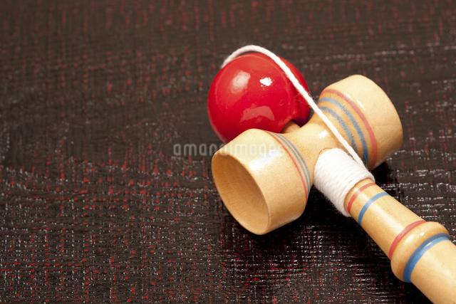 日本の伝統的な玩具のケンダマ日本の伝統的な玩具のケンダマの写真素材 [FYI04206167]