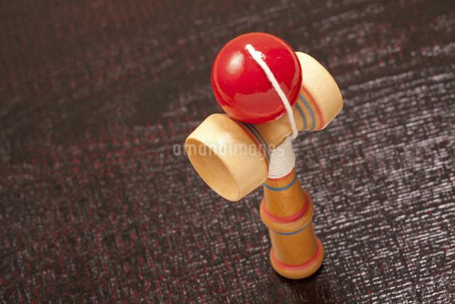 日本の伝統的な玩具のケンダマの写真素材 [FYI04206169]