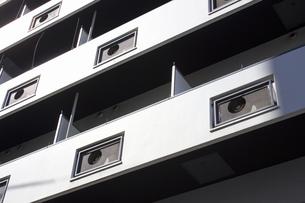 マンションのベランダのエアコン室外機用の穴の写真素材 [FYI04206580]