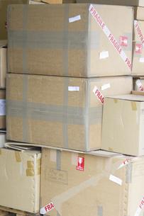 段ボールの箱の輸出商品の写真素材 [FYI04206896]