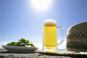 ビールと枝豆の写真素材 [FYI04207771]