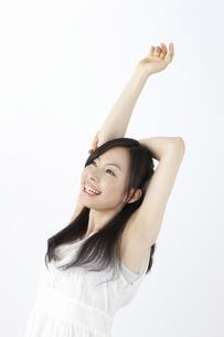 ストレッチをする女性の写真素材 [FYI04208307]