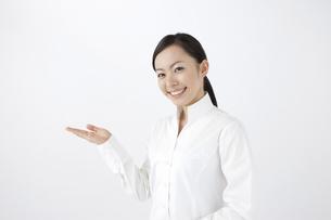 女性ポートレートの写真素材 [FYI04208340]