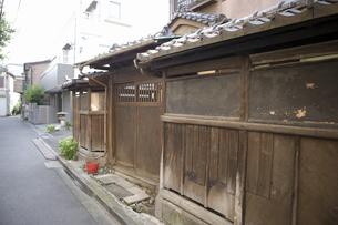 東京 根津の町並みの写真素材 [FYI04209506]