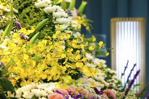 告別式の祭壇の写真素材 [FYI04212266]