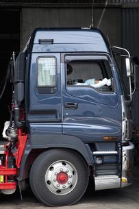 大型トラックの写真素材 [FYI04212522]