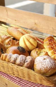 いろいろなパンの写真素材 [FYI04214929]