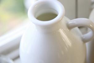 白いミルク瓶の写真素材 [FYI04218266]