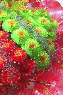 新装開店の造花の花輪の写真素材 [FYI04220739]