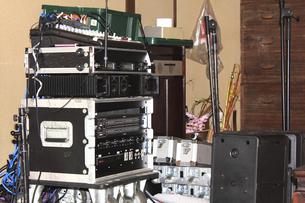 音楽ライブの音響機器の写真素材 [FYI04220802]