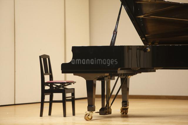 ピアノの写真素材 [FYI04223568]
