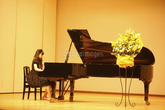 ピアノの写真素材 [FYI04223571]