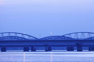 大阪淀川の朝の写真素材 [FYI04225077]