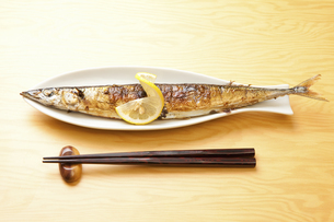 焼き魚サンマの写真素材 [FYI04225246]