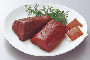 会津馬刺肉ブロックの写真素材 [FYI04227724]