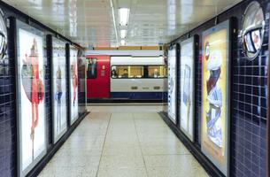 ロンドンの地下鉄のイラスト素材 [FYI04228205]