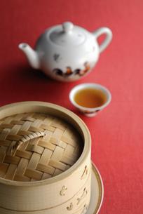 セイロと茶器のイラスト素材 [FYI04228883]