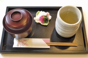 お汁粉と昆布茶の写真素材 [FYI04231777]