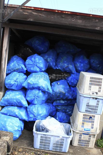家庭内ゴミの集積場の写真素材 [FYI04232392]