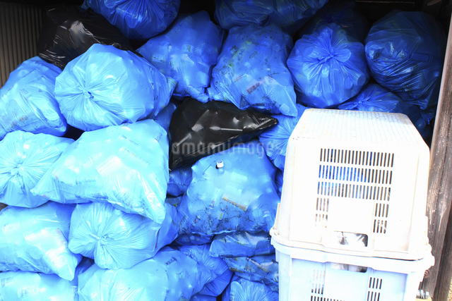 家庭内ゴミの集積場の写真素材 [FYI04232393]