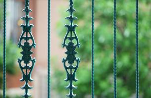 庭の柵の模様の写真素材 [FYI04233100]