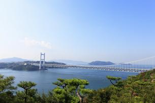 鷲羽山から望む瀬戸大橋の写真素材 [FYI04237249]