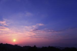 宮島SAから望む日の出の写真素材 [FYI04237363]