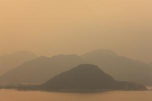 笠山から望む夕暮れの写真素材 [FYI04238047]