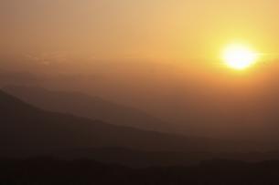 蒜山の日の出の写真素材 [FYI04238944]