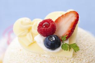 ホワイトデーケーキのイラスト素材 [FYI04240228]