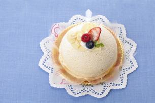 ホワイトデーケーキのイラスト素材 [FYI04240235]