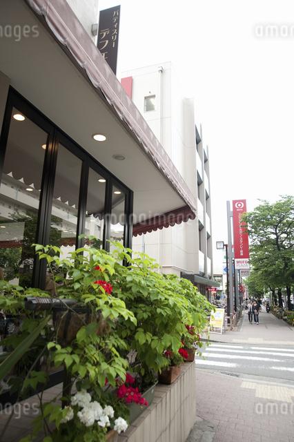 たまプラーザ駅前のカフェの写真素材 [FYI04241064]