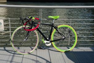 カラフルな自転車のイラスト素材 [FYI04241223]