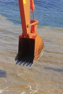 海岸工事の建設機械の写真素材 [FYI04245188]