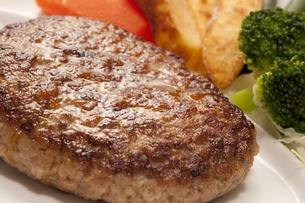 ハンバーグステーキの写真素材 [FYI04246045]