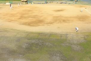 淀川の河川敷公園の野球場の写真素材 [FYI04246729]