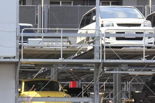 機械式二段駐車場の写真素材 [FYI04247041]