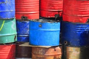 油汚れのドラム缶の写真素材 [FYI04247107]