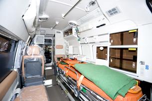 救急車の内部の写真素材 [FYI04250238]