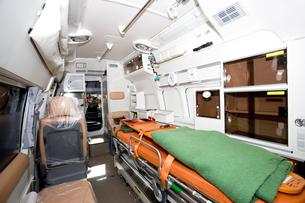 救急車の内部の写真素材 [FYI04250239]