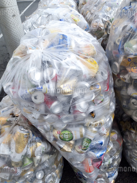 回収された空き缶の写真素材 [FYI04250674]