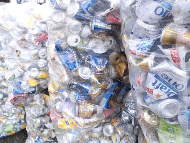 回収された空き缶の写真素材 [FYI04250675]