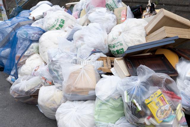 ゴミ集積所の写真素材 [FYI04250721]