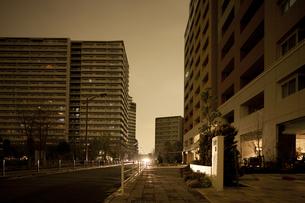 計画停電で明かりの消えた街の写真素材 [FYI04250795]