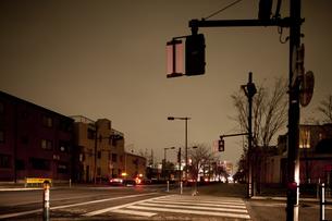 計画停電で明かりの消えた街の写真素材 [FYI04250801]