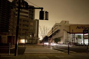 計画停電で明かりの消えた街の写真素材 [FYI04250802]